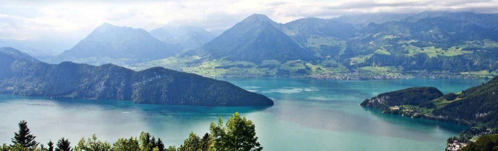 Berglandschaft mit Wasser
